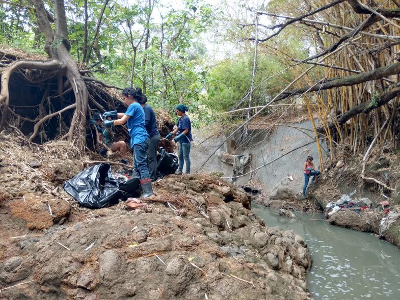 UNA I Jornada de Limpieza del Rio Pirro4