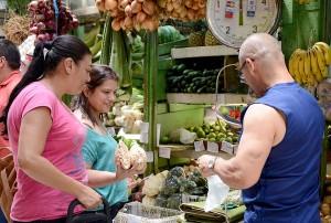 UCR presenta a agricultores de Cartago una nueva alternativa para comercializar sus hortalizas