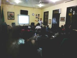 15 municipalidades y 2 universidades contra herbicidas