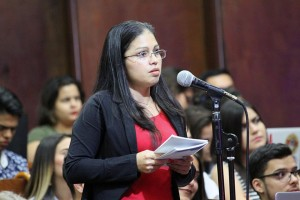Debate Presidencial en la UNA Roxana Moralesjpg
