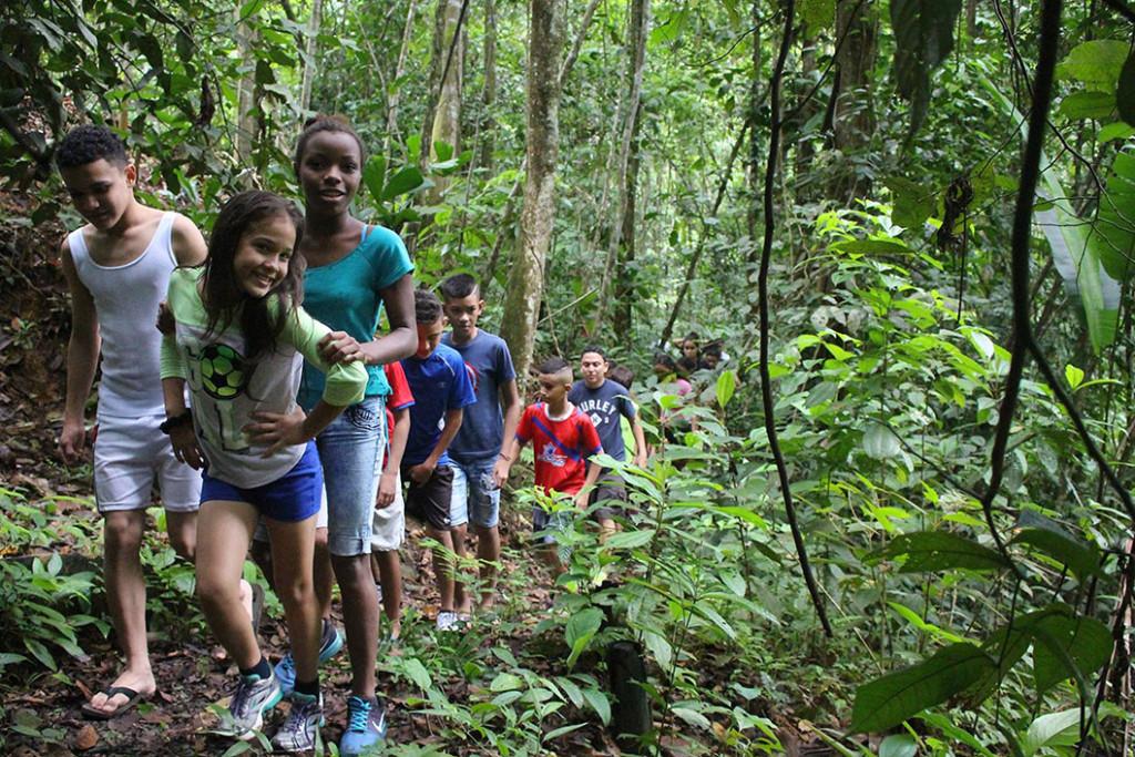 Ninas y ninos de Limon disfrutaron de campamento en Sede del Caribe