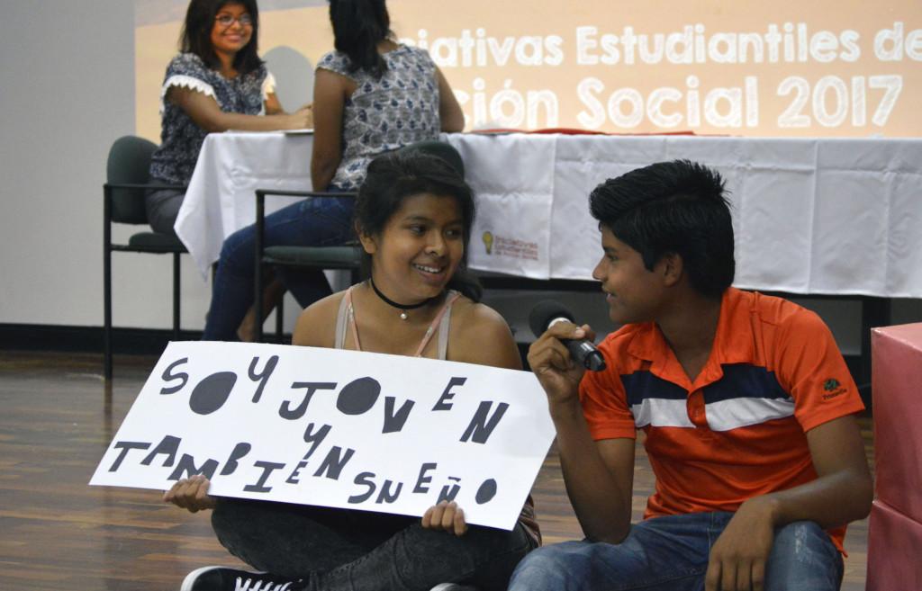 Estudiantes piden cambios en Accion Social3