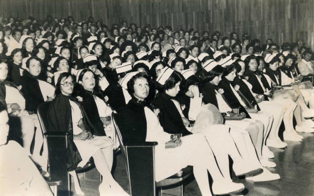 31/08/1979 - Graduación Enfermería.  Universidad de Costa Rica. - Pertenece a la colección de fotos del Semanario Universidad - S54
