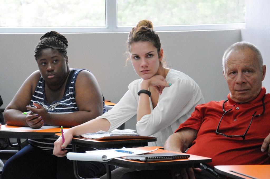 27/05/2015, Seminario dirigido a las y los estudiantes de esta carrera de la Universidad de Kansas.
