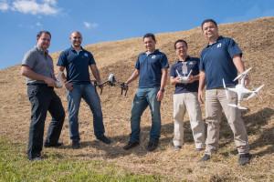 Cinco profesionales del LanammeUCR obtienen licencia para volar drones con fines ingenieriles