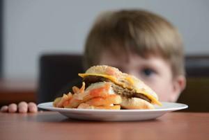 Los malos hábitos alimentarios en la actual población escolar incidirán en la salud de los adultos en las próximas décadas. - foto archivo ODI.