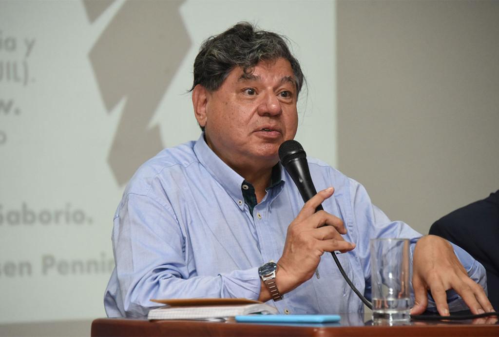 Tavares dos Santos calificó la situación actual de Brasil como una paradoja y un reflejo de la desigualdad económica y social. - foto Laura Rodríguez Rodríguez.