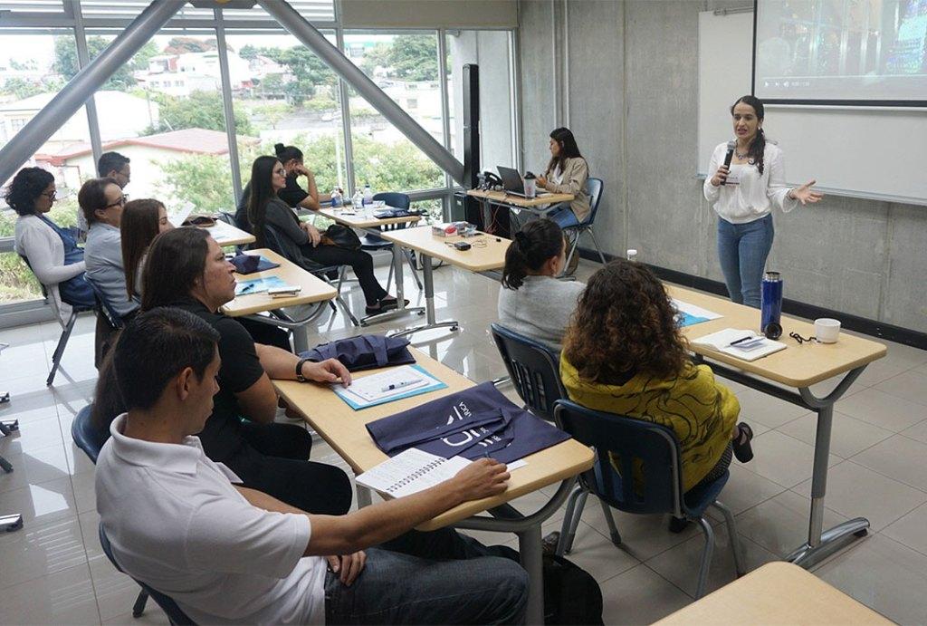 El encuentro que se realizó el miércoles 26 en el edificio de Educación Continua, en Ciudad de la Investigación, reunió a profesionales de diversas disciplinas que se desempeñan en el área de educación de los museos (foto Marco Díaz).