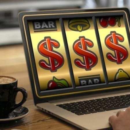 I vantaggi del giocare slot online