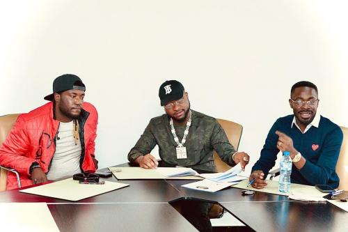 Deinde Officially Signed To Davido's Record Label, DMW