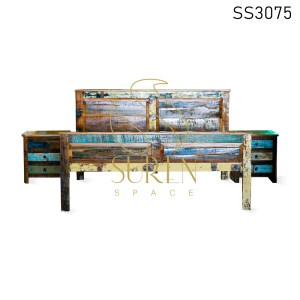 Reclaimed Wood Rustic Finish Bed Design