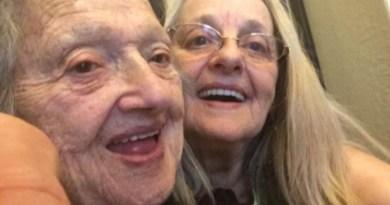 Mujer de 88 años se reencuentra con su hija… 69 años después