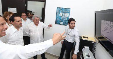 Gobernador Mauricio Vila Dosal supervisa las capacidades científicas de Yucatán para investigar delitos