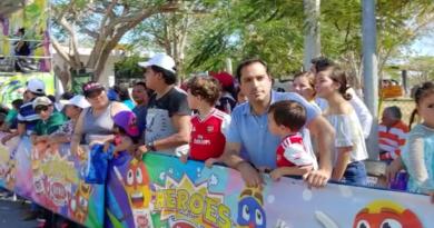 El Gobernador Mauricio Vila Dosal convive con las familias yucatecas en la última jornada del Carnaval de Mérida 2020