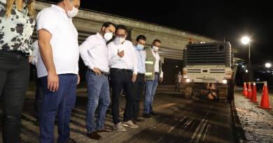 Ponen en marcha el Gobernador Mauricio Vila Dosal y el alcalde, Renán Barrera Concha, los trabajos de repavimentación del Anillo Periférico de Mérida
