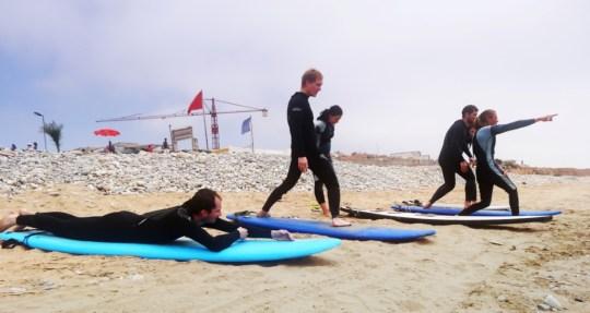 Тренировка по серфингу на пляже | Школа серфинга Surf-Burg