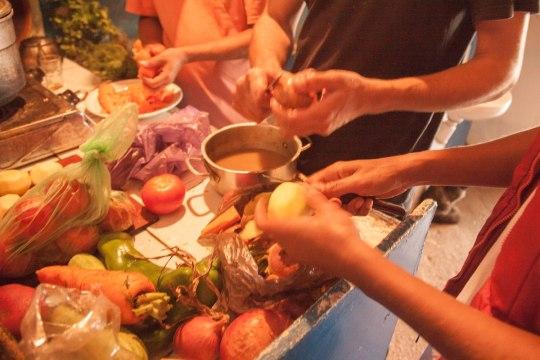 Приготовление ужина | Школа серфинга в Марокко Surf-Burg