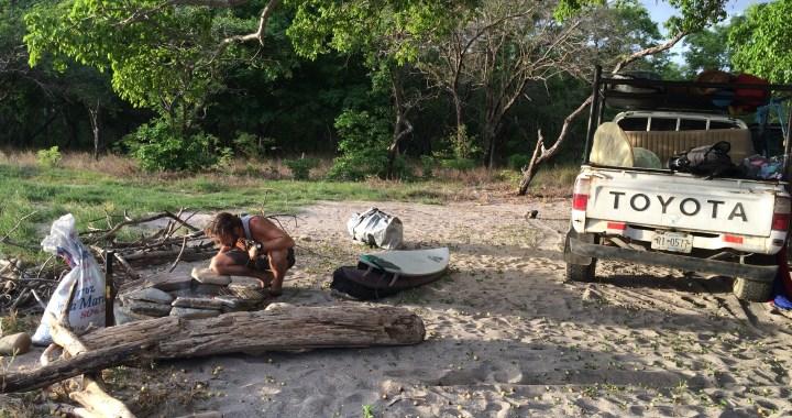 Surf trip Popoyo - Campement préparation repas