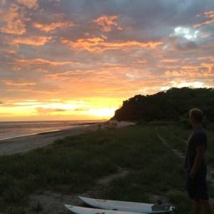 Surf trip Popoyo - Coucher de soleil planches et Sam