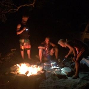 Surf trip à Popoyo - Préparation du repas nuit