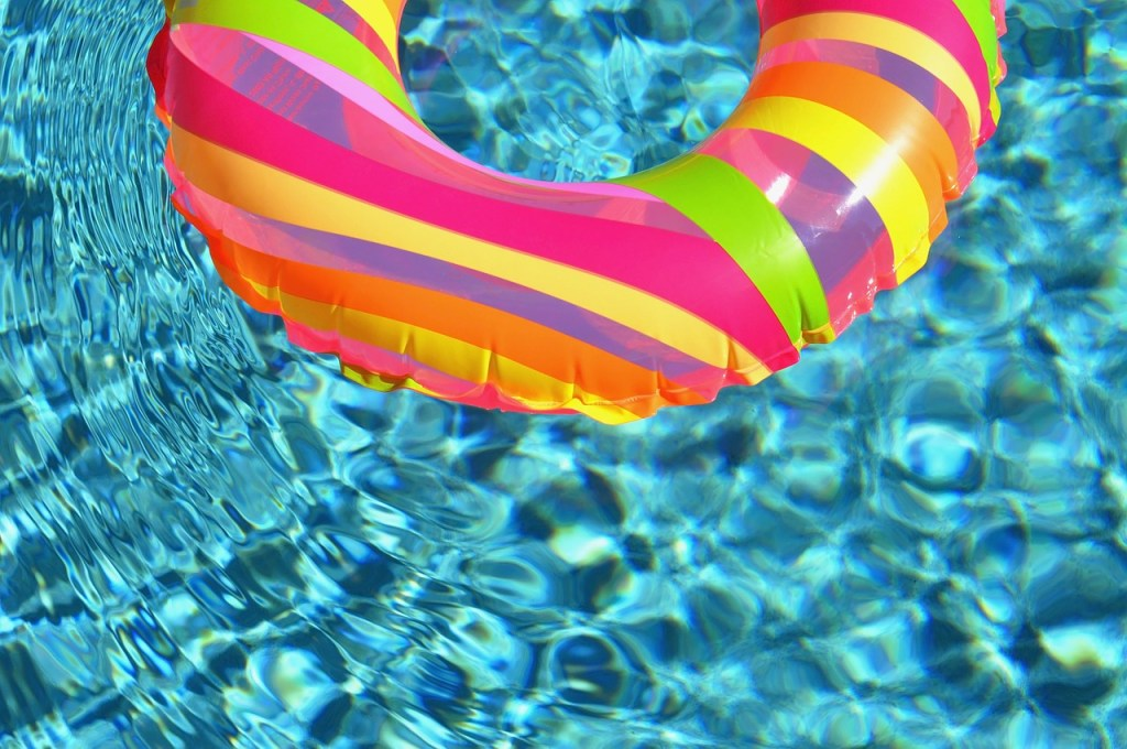 swimming pool with ring toy