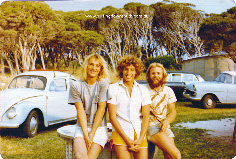 1975 Yalls Gary Gibbon, Andy Jones & Ronny 'Ratshit' Jeffrey at Peter Dyson's place Andy Jones pic_0001