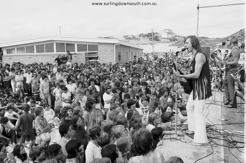 1970s-6ky-surfin-safari-trigg-beach-ric-chan-042b