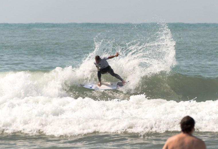 Martin Passeri - @surfinglatino x @betoviedo