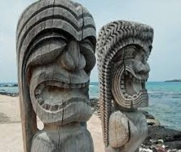 Hawaiian tiki on beach images