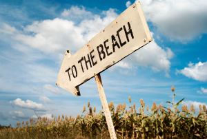 sign to beach