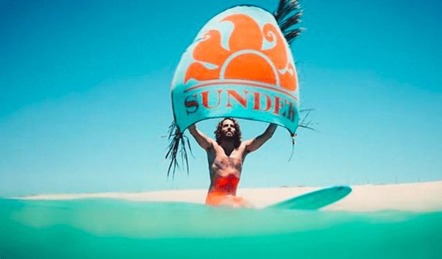 sundek サンデック ブランドロゴ 太陽 水着