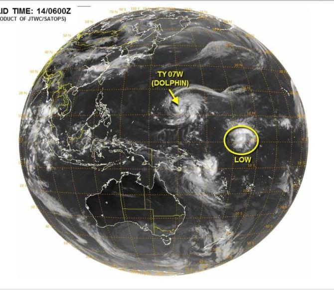 台風7号ドルフィンの進路