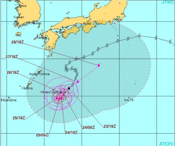 台風10号ライオンロック