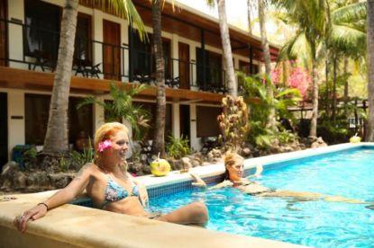 la marejada pool girls