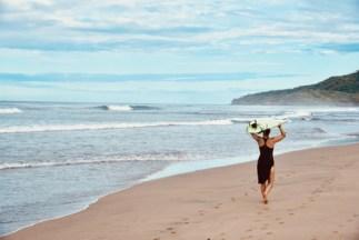 marejada board carry beach walk