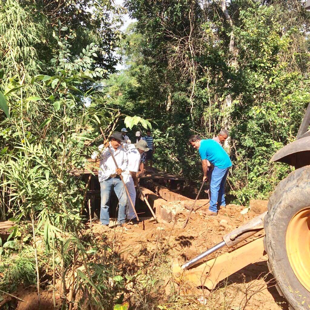 Prefeitura de Nova Rosalândia, por meio da Diretoria de Obras, realizou recuperação de ponte no município