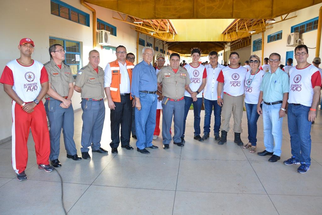 Avelino recebeu honraria do Corpo de Bombeiros