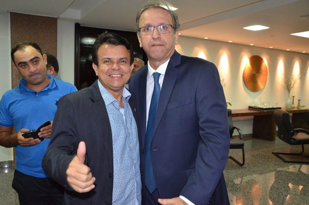 Presidente da Câmara de Paraíso, vereador JC, participa de encontro com o Governador Marcelo Miranda