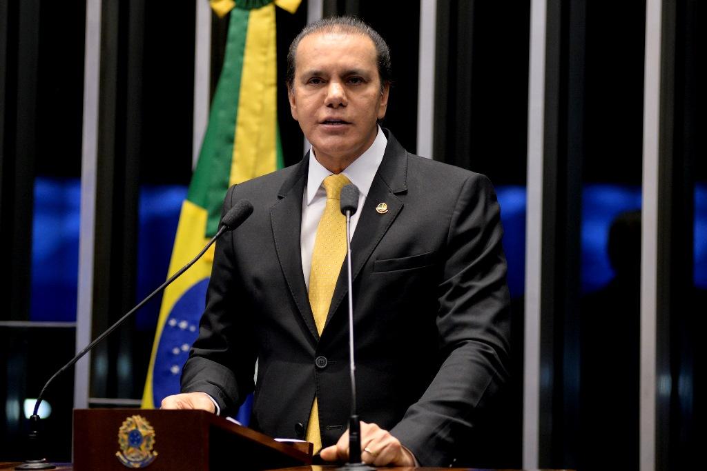 Ataídes propõe CPMI para apurar ganho bilionário da JBS