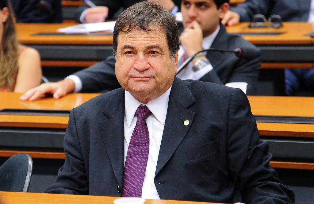 Halum denuncia descaso do INSS em Araguaína