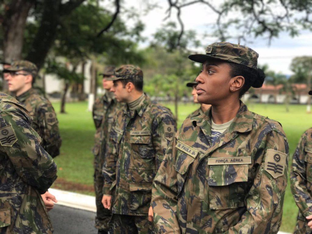 Jaqueline Silvestre conclui com satisfação estágio para 3º Sargento da FAB
