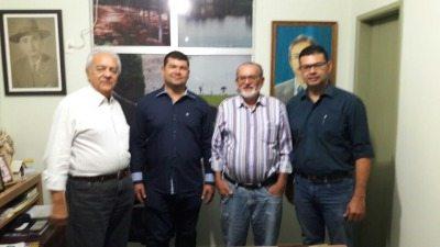 Avelino recebeu a visita de cortesia do vice-presidente da Academia de Letras de Paraíso