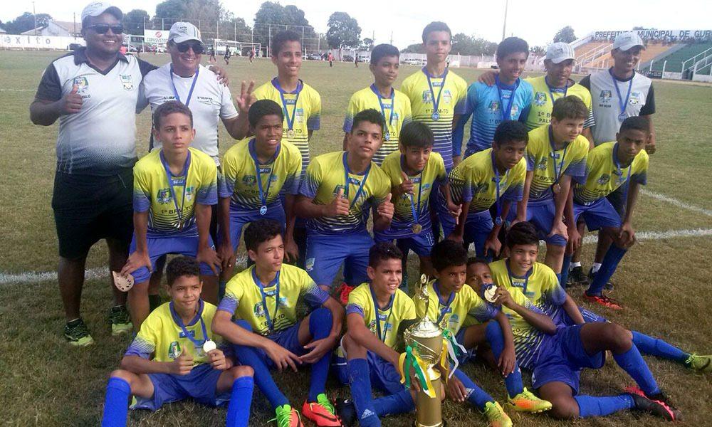 Escolinha de Futebol da Polícia Militar é premiada em torneio interestadual
