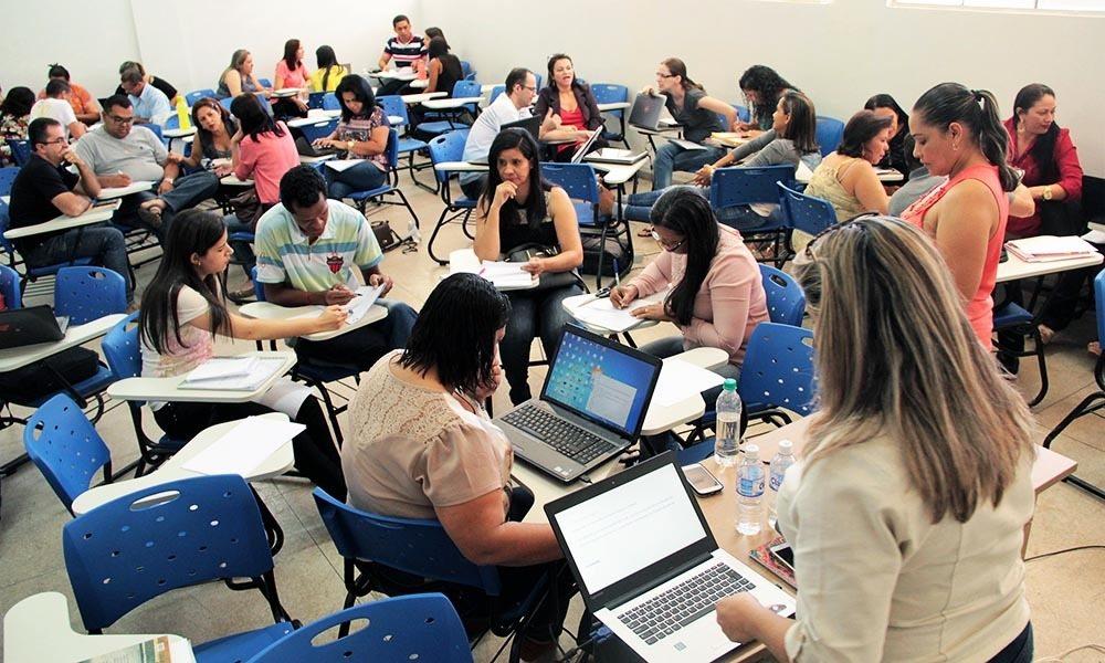Governo promove formação para educadores das escolas de ensino médio integral