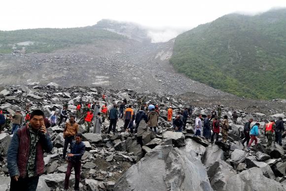 Deslizamento de terra deixa pelo menos 120 desaparecidos na China