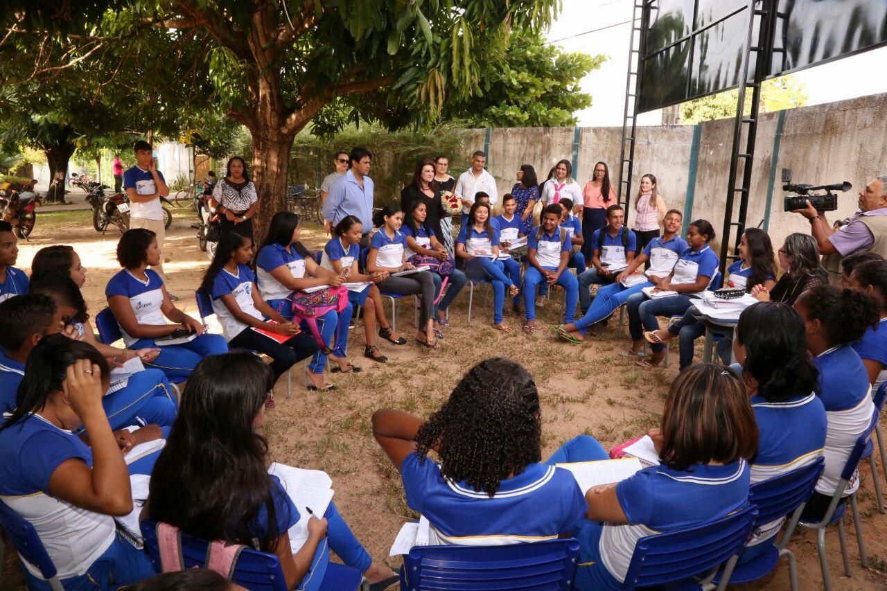 Professora Wanessa Sechim visita Colégio Estadual Manoel Vicente de Souza de Augustinópolis