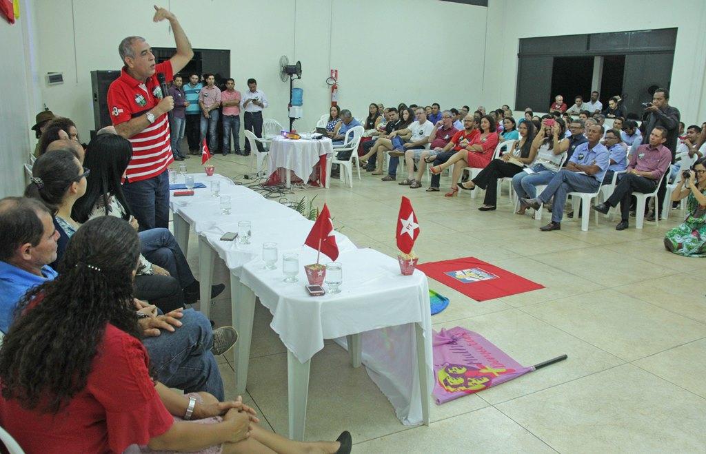 Empossado o presidente do partido dos trabalhadores, Zé Roberto fala em fortalecer o partido através da organização, do debate e da transparência