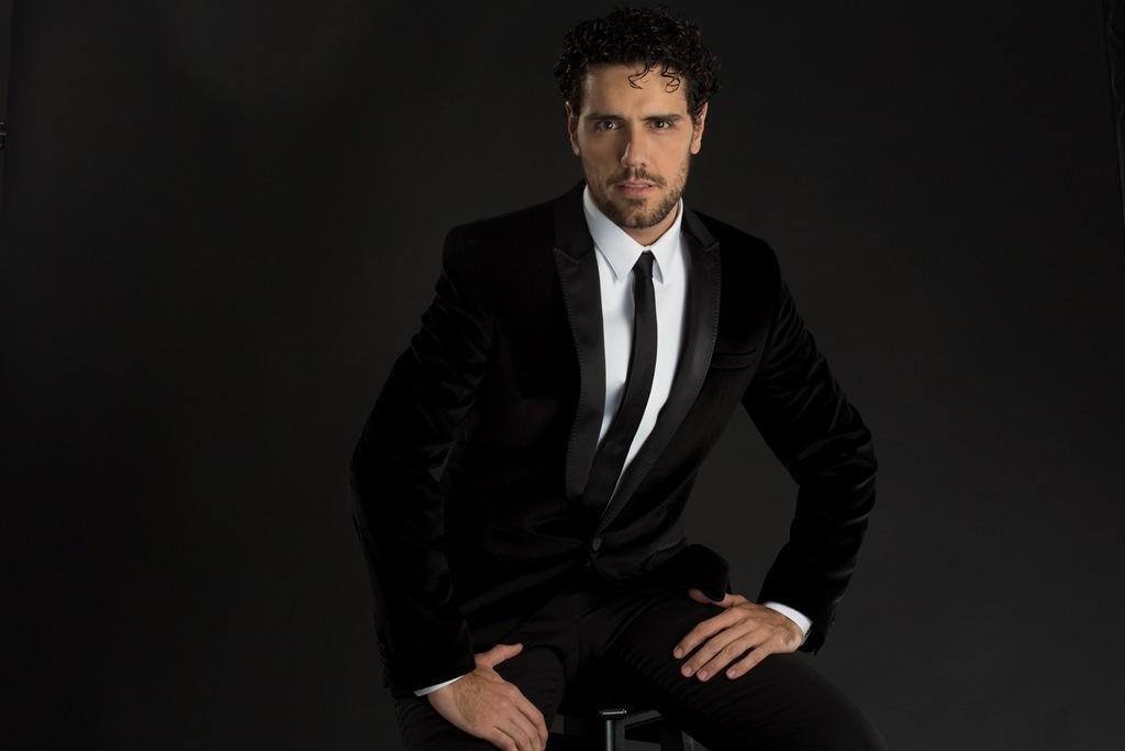 Thiago Arancam finaliza álbum especial com canções em quatro idiomas