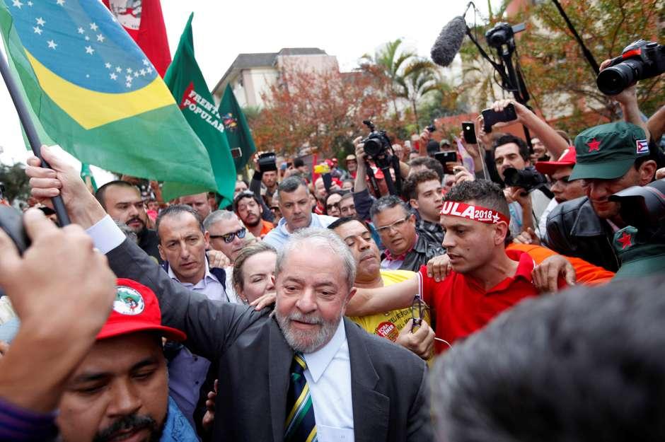 Lula lidera para 2018, e Bolsonaro vai a 16%, diz Datafolha