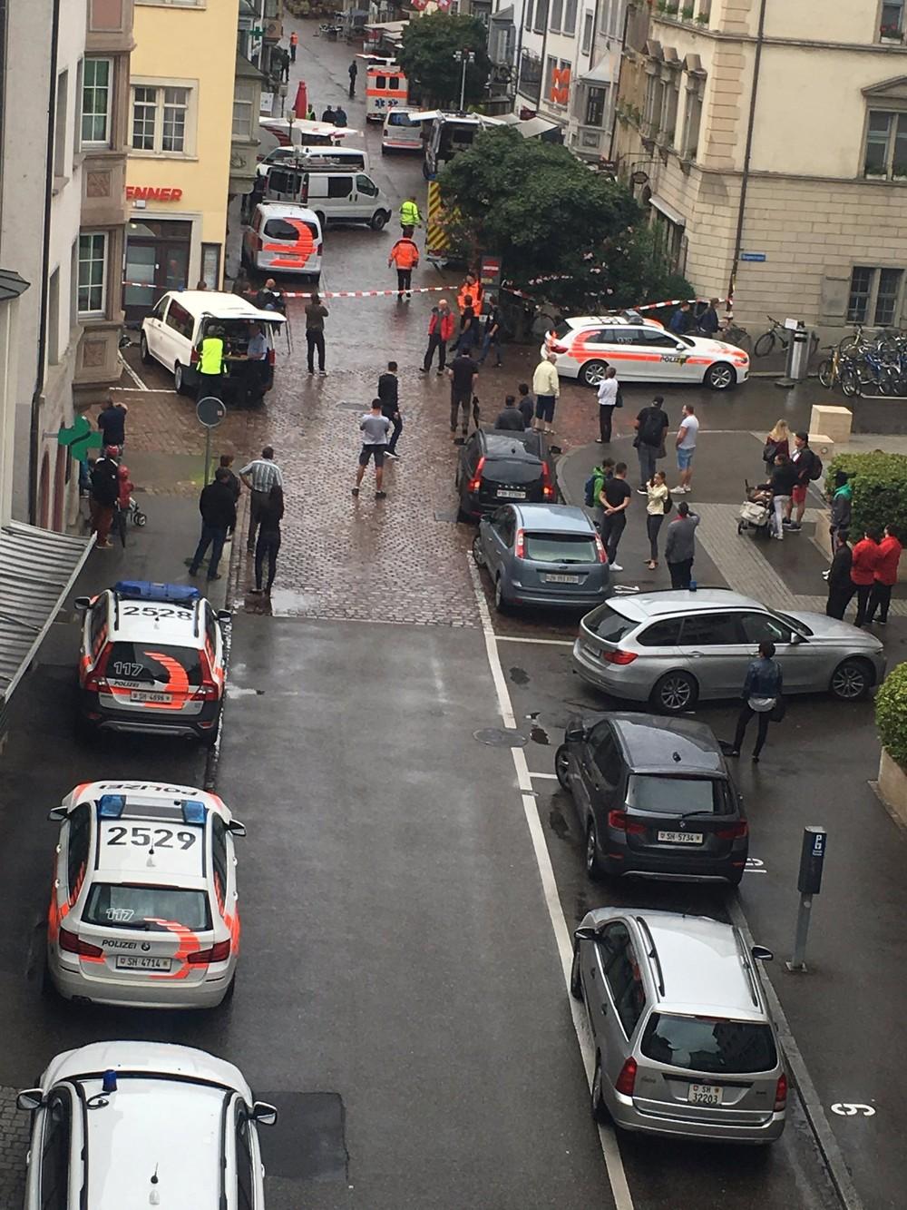 Ataque com serra elétrica deixa feridos na Suíça
